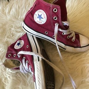 kids size 2 maroon high top converse all stars